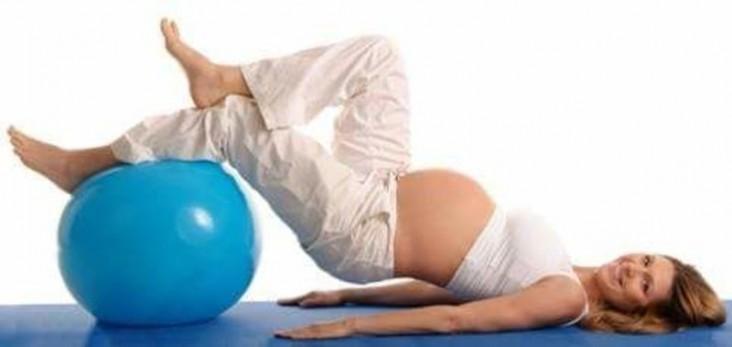 bellygym-gimnastica-pentru-gravide-14731532488850-resize